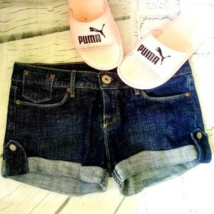 🌹🌹Bebe Dark denim shorts  size 30🌹🌹